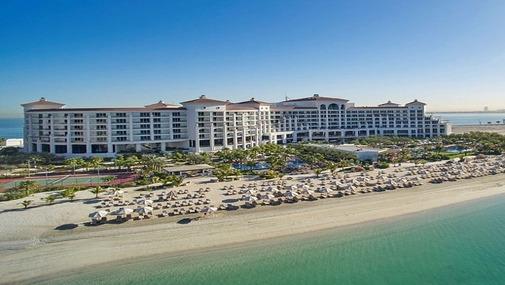 Отель в ОАЭ на берегу моря с пляжем